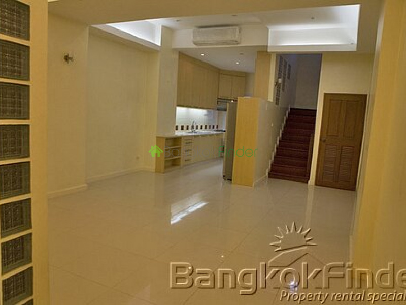 Sukhumvit Phrom Phong,Phrom Phong,Bangkok,Thailand,4 Bedrooms Bedrooms,5 BathroomsBathrooms,House,Sukhumvit Phrom Phong,9