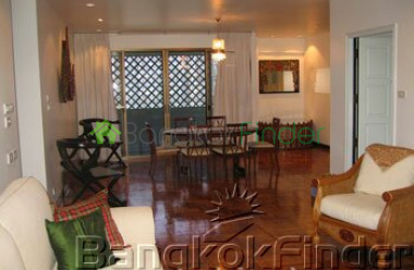 Ploenchit-Chidlom, Ploenchit, Bangkok, Thailand, 3 Bedrooms Bedrooms, ,2 BathroomsBathrooms,Condo,For Rent,Ruamrudee Garden House,Ploenchit-Chidlom,49