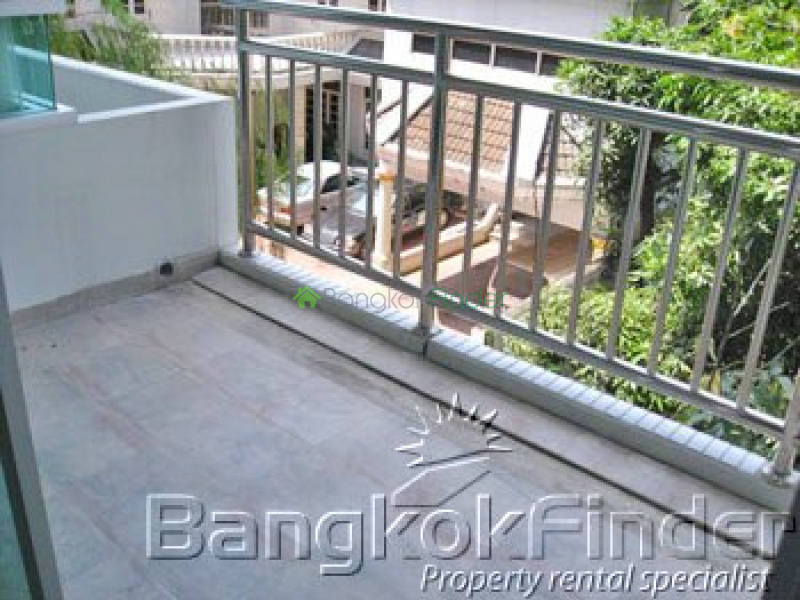 Soi Narathiwat 7 Sathorn,Sathorn,Bangkok,Thailand,1 Bedroom Bedrooms,1 BathroomBathrooms,Condo,Baan Thirapa,Soi Narathiwat 7 Sathorn,68