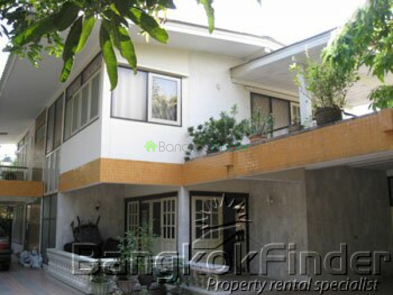 Sathorn,Sathorn,Bangkok,Thailand,4 Bedrooms Bedrooms,3 BathroomsBathrooms,House,Sathorn,430
