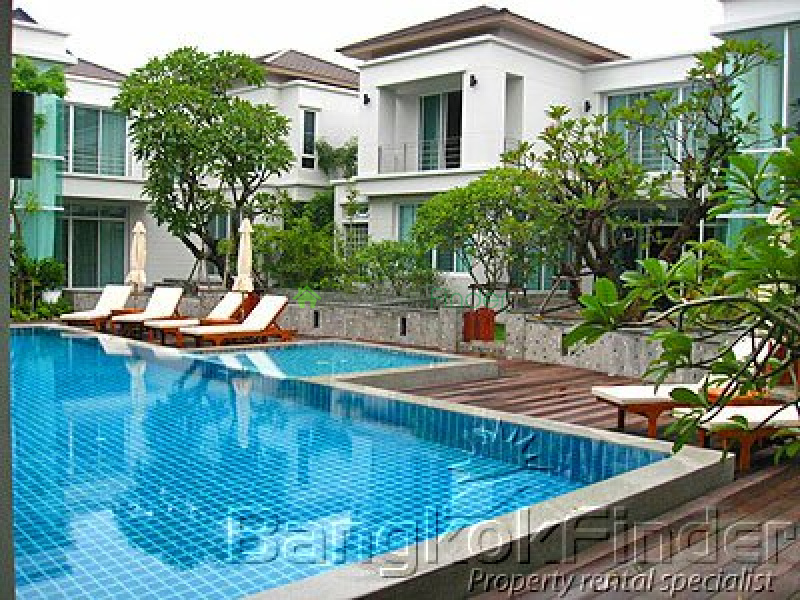 Pattanakarn,Pattanakarn,Bangkok,Thailand,4 Bedrooms Bedrooms,5 BathroomsBathrooms,House,Pattanakarn,948