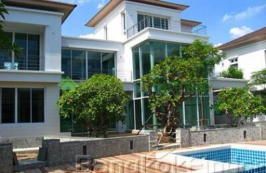 30 Pattanakarn,Pattanakarn,Bangkok,Thailand,4 Bedrooms Bedrooms,5 BathroomsBathrooms,House,Pattanakarn,949