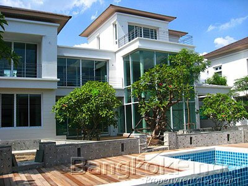 30 Pattanakarn, Pattanakarn, Bangkok, Thailand, 4 Bedrooms Bedrooms, ,5 BathroomsBathrooms,House,For Rent,Pattanakarn,949