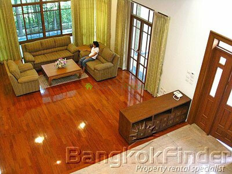 Sukhumvit-Phra Kanong,Phra Kanong,Bangkok,Thailand,4 Bedrooms Bedrooms,4 BathroomsBathrooms,House,Sukhumvit-Phra Kanong,1649