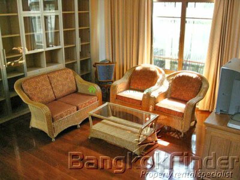 Sukhumvit- Phra Kanong,Phra Kanong,Bangkok,Thailand,4 Bedrooms Bedrooms,4 BathroomsBathrooms,House,Sukhumvit-Phra Kanong,1649