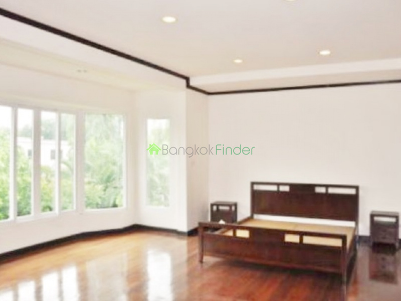 Sukhumvit-Phrom Phong, Pattanakarn, Bangkok, Thailand, 5 Bedrooms Bedrooms, ,3 BathroomsBathrooms,House,For Rent,Sukhumvit-Phrom Phong,1839