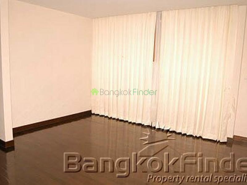 Sathorn,Sathorn,Bangkok,Thailand,4 Bedrooms Bedrooms,3 BathroomsBathrooms,House,Sathorn,1935