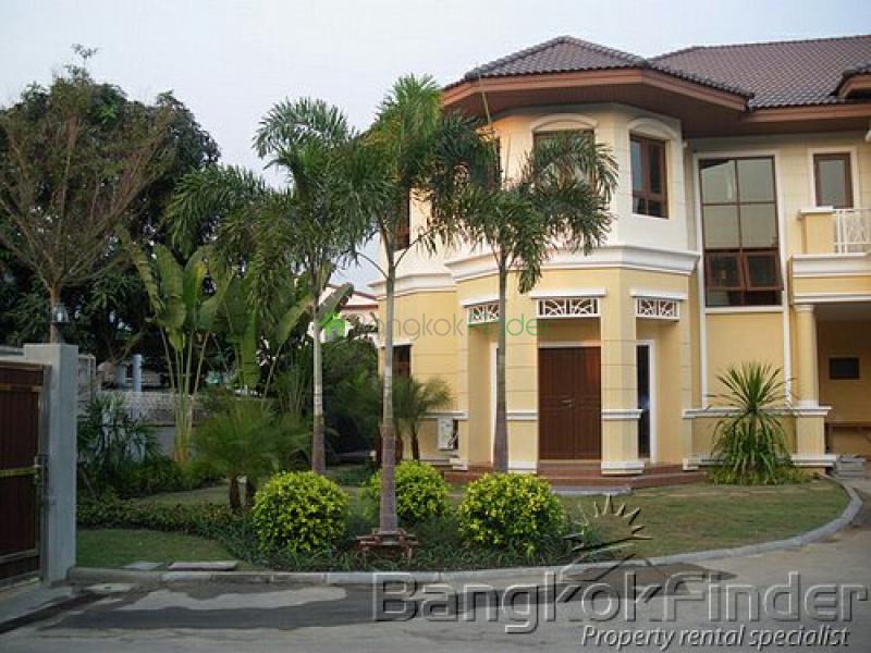 Ramkhamhaeng- Ramkhamhaeng- Bangkok- Thailand, 4 Bedrooms Bedrooms, ,3 BathroomsBathrooms,House,For Rent,Ramkhamhaeng,1988