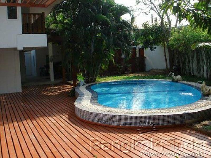 71 Sukhumvit- Phra Khanong- Bangkok- Thailand, 4 Bedrooms Bedrooms, ,5 BathroomsBathrooms,House,For Rent,Sukhumvit,2519