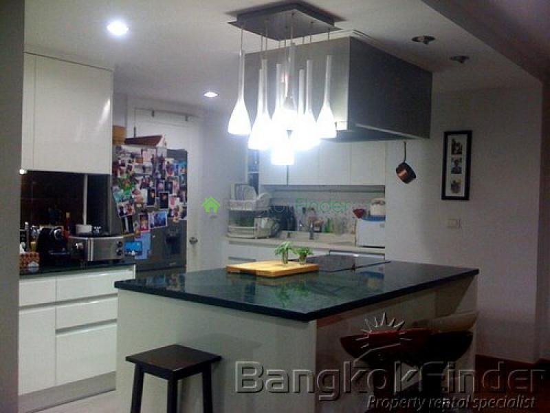 15 Sukhumvit,Nana,Bangkok,Thailand,3 Bedrooms Bedrooms,3 BathroomsBathrooms,Condo,Wattana Suites,Sukhumvit,2641