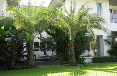 Pattanakarn,Pattanakarn,Bangkok,Thailand,3 Bedrooms Bedrooms,4 BathroomsBathrooms,House,Pattanakarn,2751