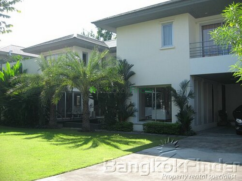 Pattanakarn, Pattanakarn, Bangkok, Thailand, 3 Bedrooms Bedrooms, ,4 BathroomsBathrooms,House,For Rent,Pattanakarn,2751