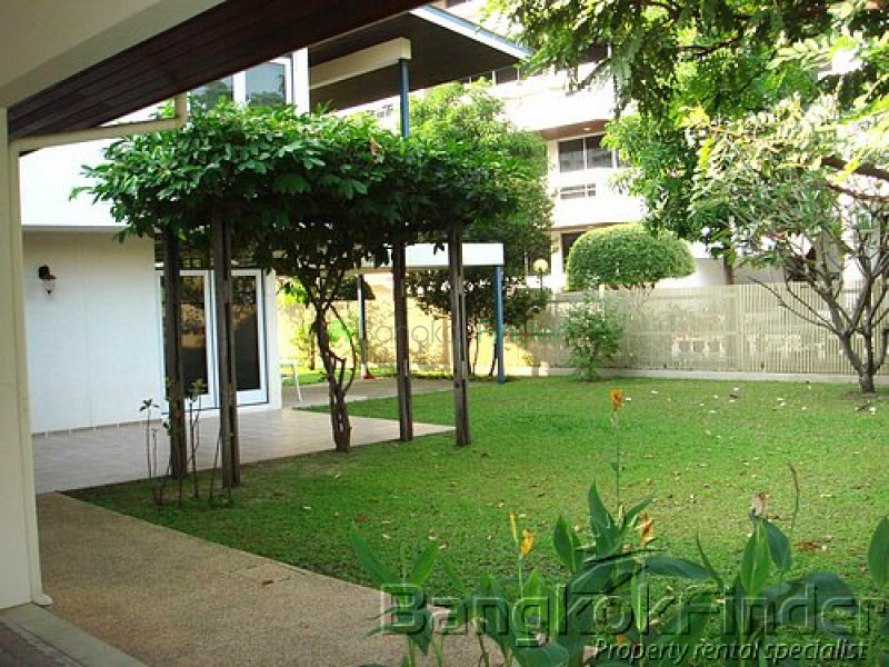 Sukhumvit-Nana, Nana, Bangkok, Thailand, 3 Bedrooms Bedrooms, ,3 BathroomsBathrooms,House,For Rent,Sukhumvit-Nana,2763