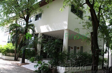 Pattanakarn,Pattanakarn,Bangkok,Thailand,4 Bedrooms Bedrooms,3 BathroomsBathrooms,House,Pattanakarn,2770