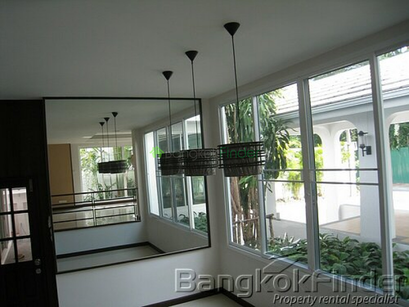 Sukhumvit-Phra Kanong, Phra Khanong, Bangkok, Thailand, 3 Bedrooms Bedrooms, ,3 BathroomsBathrooms,House,For Rent,Sukhumvit-Phra Kanong,2773