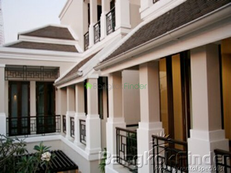 Phaholyothin, Phaholyothin, Bangkok, Thailand, 4 Bedrooms Bedrooms, ,4 BathroomsBathrooms,House,For Rent,Phaholyothin,3502