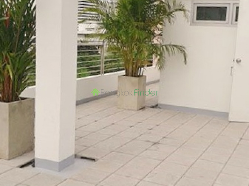 Phrom Phong,Bangkok,Thailand,4 Bedrooms Bedrooms,5 BathroomsBathrooms,House,3908