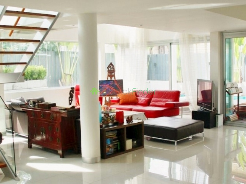 Phra Kanong,Bangkok,Thailand,5 Bedrooms Bedrooms,5 BathroomsBathrooms,House,4021