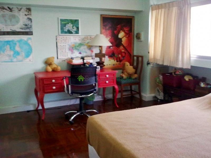 Nana,Bangkok,Thailand,3 Bedrooms Bedrooms,3 BathroomsBathrooms,Condo,4047