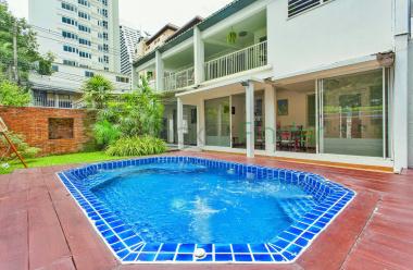 2 Sukhumvit, Ploenchit, Thailand, 3 Bedrooms Bedrooms, ,4 BathroomsBathrooms,House,For Rent,Sukhumvit,5575