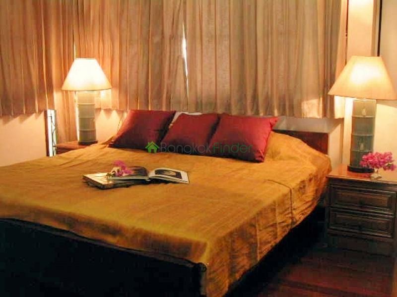 Bangna-Srinakarin,Bangkok,Thailand,4 Bedrooms Bedrooms,4 BathroomsBathrooms,House,4154