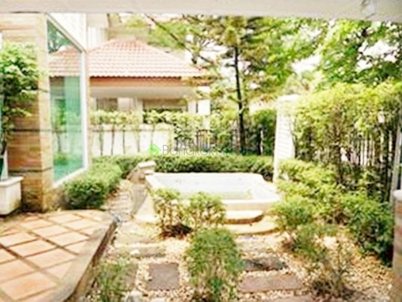 Bangna-Srinakarin,Bangkok,Thailand,3 Bedrooms Bedrooms,3 BathroomsBathrooms,House,4216