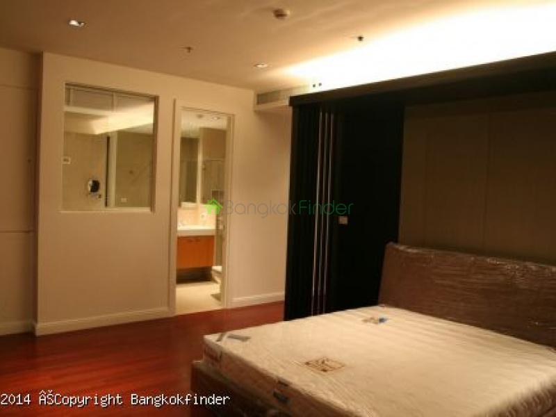 1 Ruamrudee,Ploenchit,Bangkok,Thailand,3 Bedrooms Bedrooms,4 BathroomsBathrooms,Condo,Athenee Residence,Ruamrudee,5535