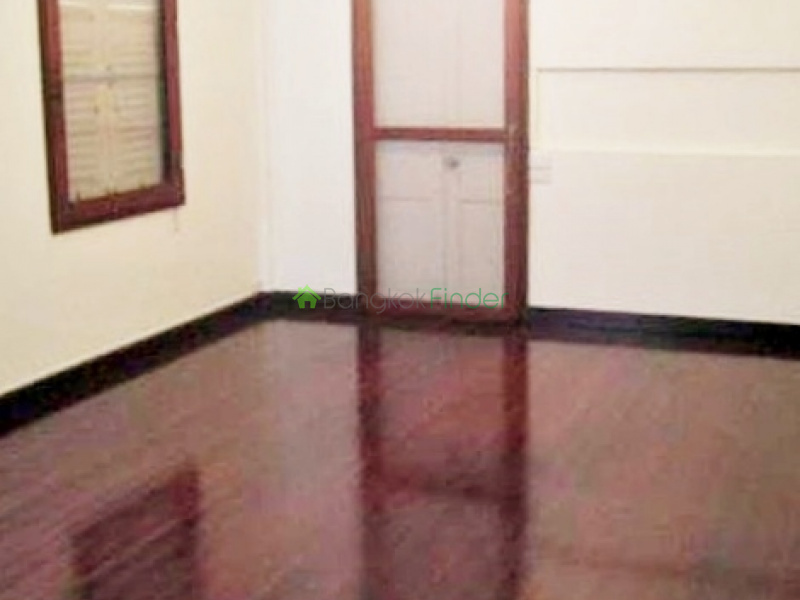 Rama 4,Bangkok,Thailand,3 Bedrooms Bedrooms,3 BathroomsBathrooms,House,4261