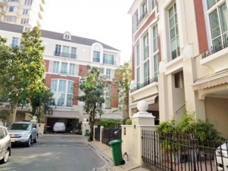 Thonglor,Bangkok,Thailand,3 Bedrooms Bedrooms,3 BathroomsBathrooms,House,4277
