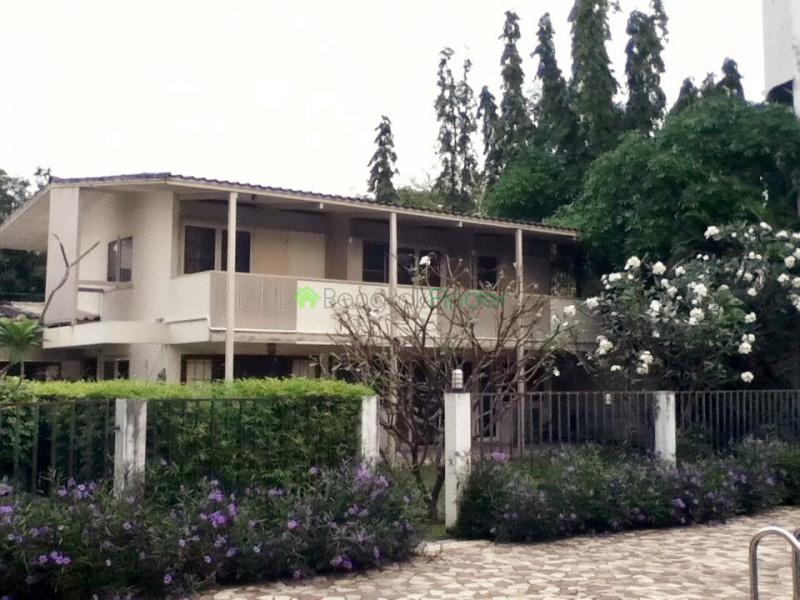 Phra Khanong, Bangkok, Thailand, 4 Bedrooms Bedrooms, ,4 BathroomsBathrooms,House,For Rent,4283
