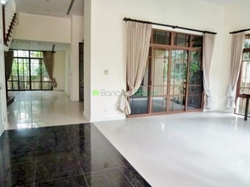 Phra Kanong,Bangkok,Thailand,4 Bedrooms Bedrooms,4 BathroomsBathrooms,House,4297