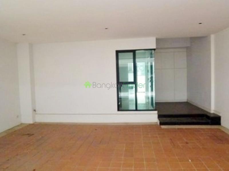 Phrom Phong,Bangkok,Thailand,4 Bedrooms Bedrooms,4 BathroomsBathrooms,House,4298