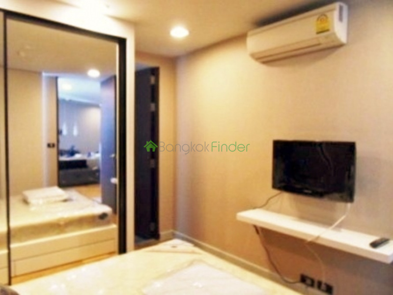Condo for rent 1 bedroom 1 bathroom sathorn the quad condo for Bathroom design quad cities