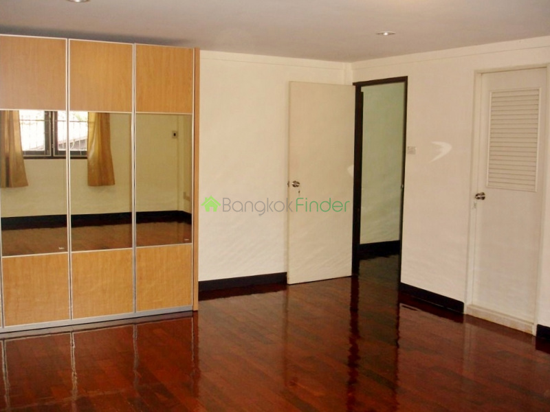 Thonglor, Bangkok, Thailand, 3 Bedrooms Bedrooms, ,3 BathroomsBathrooms,House,For Rent,4336