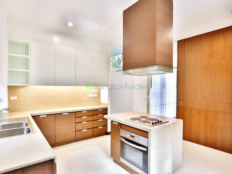 Thonglor, Bangkok, Thailand, 3 Bedrooms Bedrooms, ,4 BathroomsBathrooms,House,For Rent,4342
