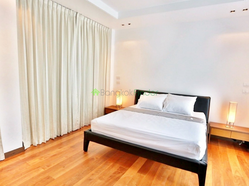 Thonglor, Bangkok, Thailand, 3 Bedrooms Bedrooms, ,4 BathroomsBathrooms,House,For Rent,4343