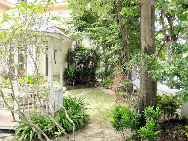 Bangna-Srinakarin,Bangkok,Thailand,3 Bedrooms Bedrooms,3 BathroomsBathrooms,House,4390