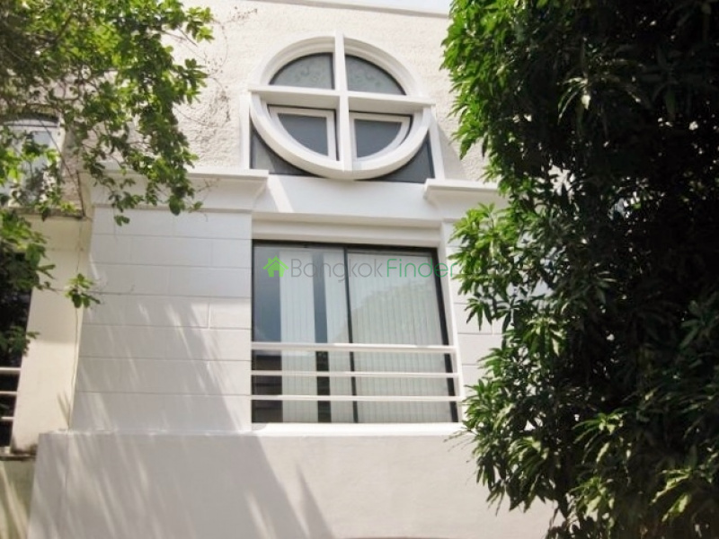 Ekamai,Bangkok,Thailand,5 Bedrooms Bedrooms,4 BathroomsBathrooms,House,4391