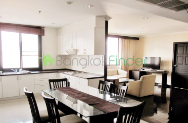 Nana, Bangkok, Thailand, 3 Bedrooms Bedrooms, ,3 BathroomsBathrooms,Condo,For Rent,Lakegreen,4395