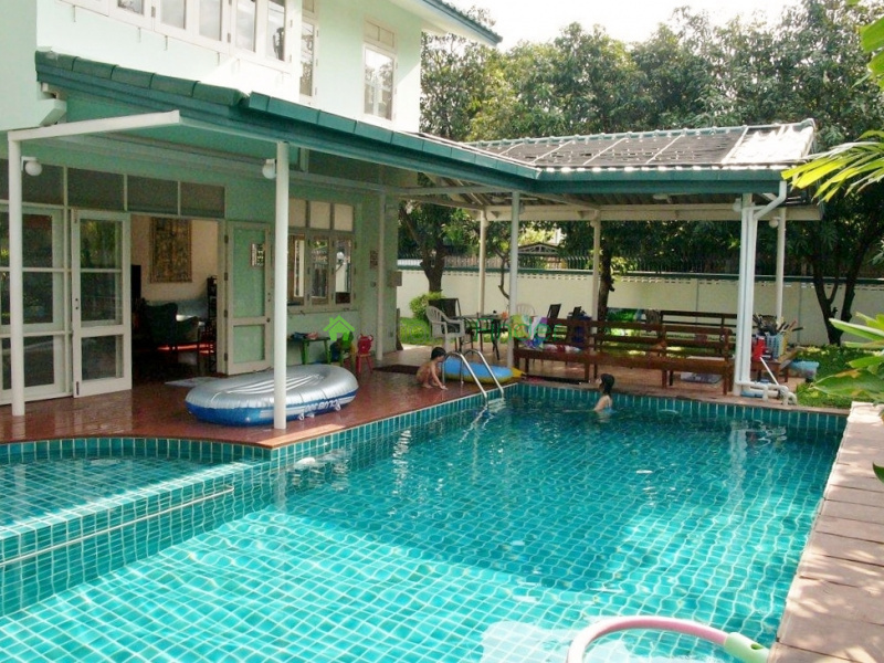 Thonglor,Bangkok,Thailand,4 Bedrooms Bedrooms,4 BathroomsBathrooms,House,4544