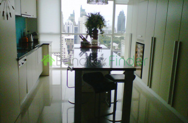 Ploenchit, Bangkok, Thailand, 3 Bedrooms Bedrooms, ,3 BathroomsBathrooms,Condo,For Rent,Urbana Langsuan,4652