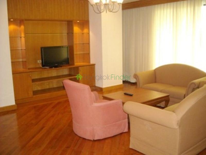 Ekamai, Bangkok, Thailand, 3 Bedrooms Bedrooms, ,3 BathroomsBathrooms,Condo,For Rent,Charoenjai Place,4666