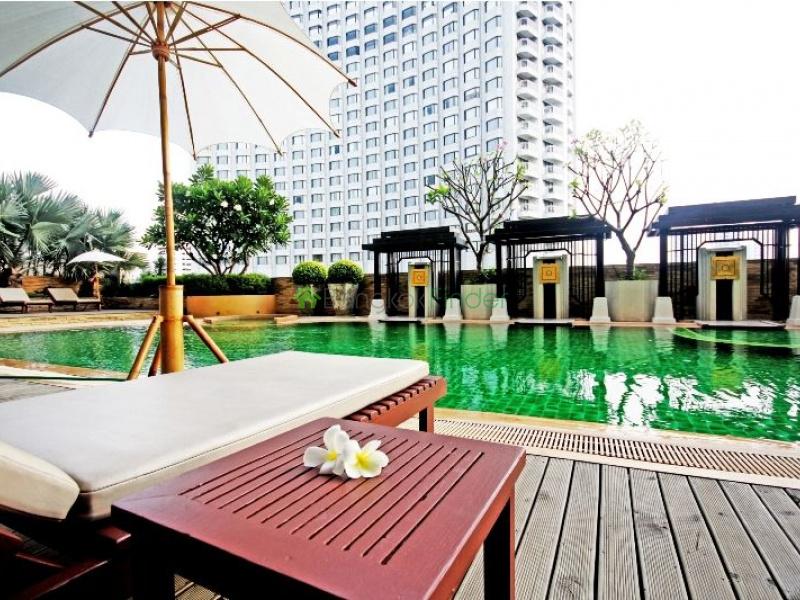 Sathorn-Riverside, Bangkok, Thailand, 4 Bedrooms Bedrooms, ,4 BathroomsBathrooms,Condo,For Rent,River Garden Building,4674