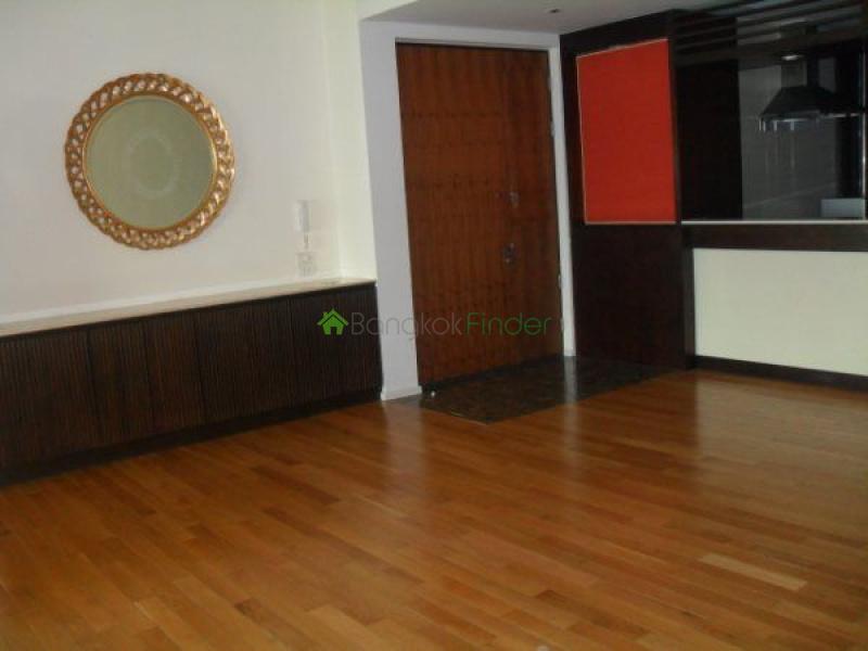 Asoke, Bangkok, Thailand, 3 Bedrooms Bedrooms, ,3 BathroomsBathrooms,Condo,For Rent,The Lakes,4678