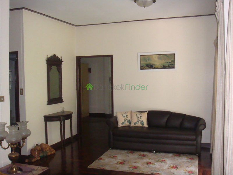 Ekamai, Bangkok, Thailand, 2 Bedrooms Bedrooms, ,2 BathroomsBathrooms,House,For Rent,4717