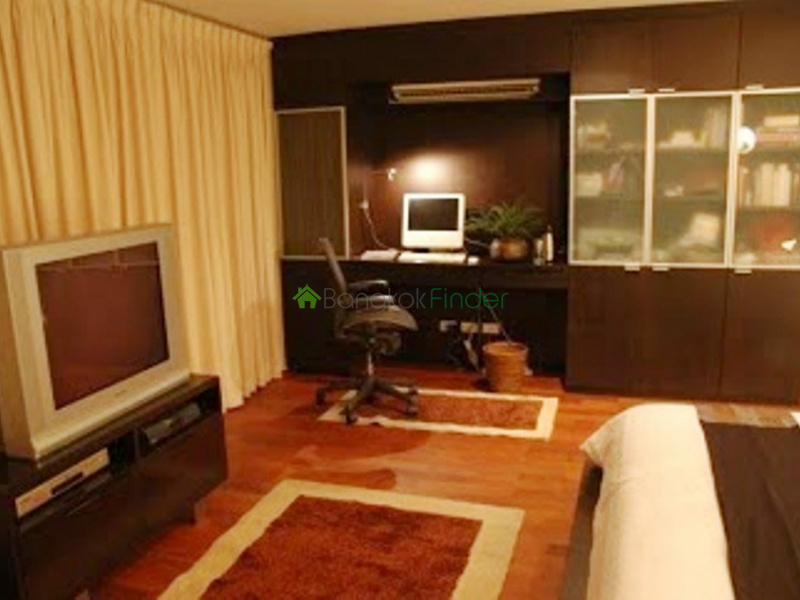 Ploenchit, Bangkok, Thailand, 2 Bedrooms Bedrooms, ,2 BathroomsBathrooms,Condo,For Rent,Urbana Langsuan,4898