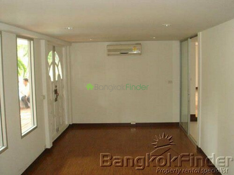 Sukhumvit-Phra Kanong, Phra Khanong, Bangkok, Thailand, 4 Bedrooms Bedrooms, ,5 BathroomsBathrooms,House,Sold,Sukhumvit-Phra Kanong,5008