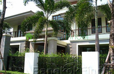 Pattanakarn, Pattanakarn, Bangkok, Thailand, 4 Bedrooms Bedrooms, ,4 BathroomsBathrooms,House,Sold,Pattanakarn,5032