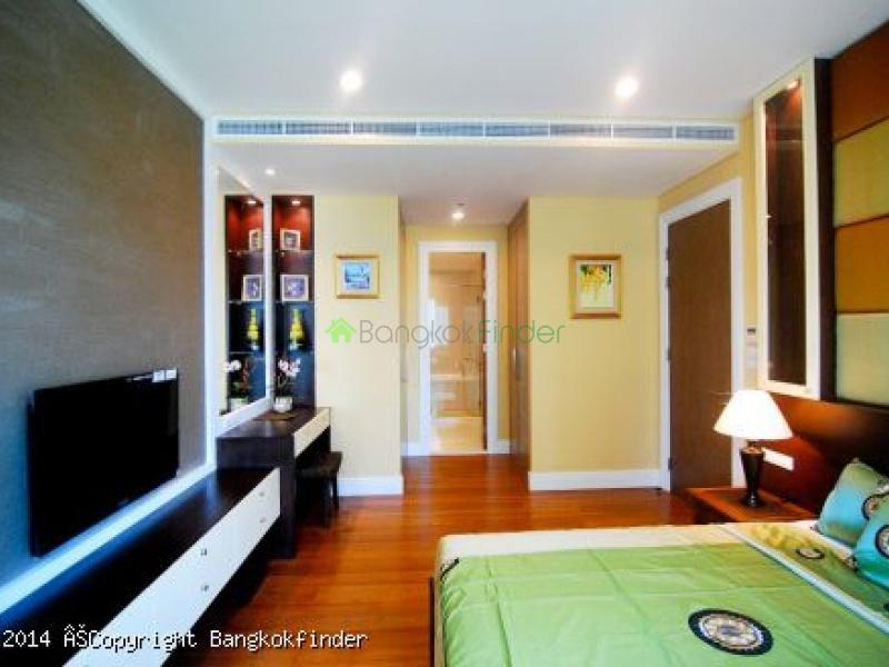 24 Sukhumvit, Phrom Phong, Thailand, 1 Bedroom Bedrooms, ,1 BathroomBathrooms,Condo,For Sale,Bright Sukhumvit 24,Sukhumvit,5558