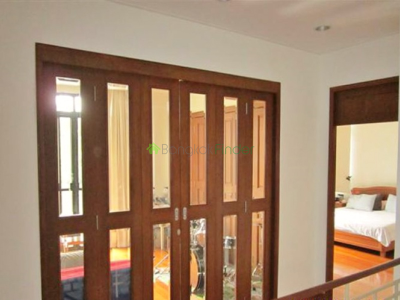 Nana, Bangkok, Thailand, 4 Bedrooms Bedrooms, ,4 BathroomsBathrooms,House,Sold,5301